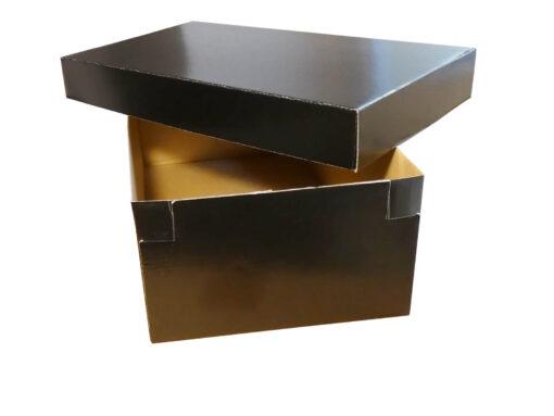 Czarne fasonowe pudełko na buty